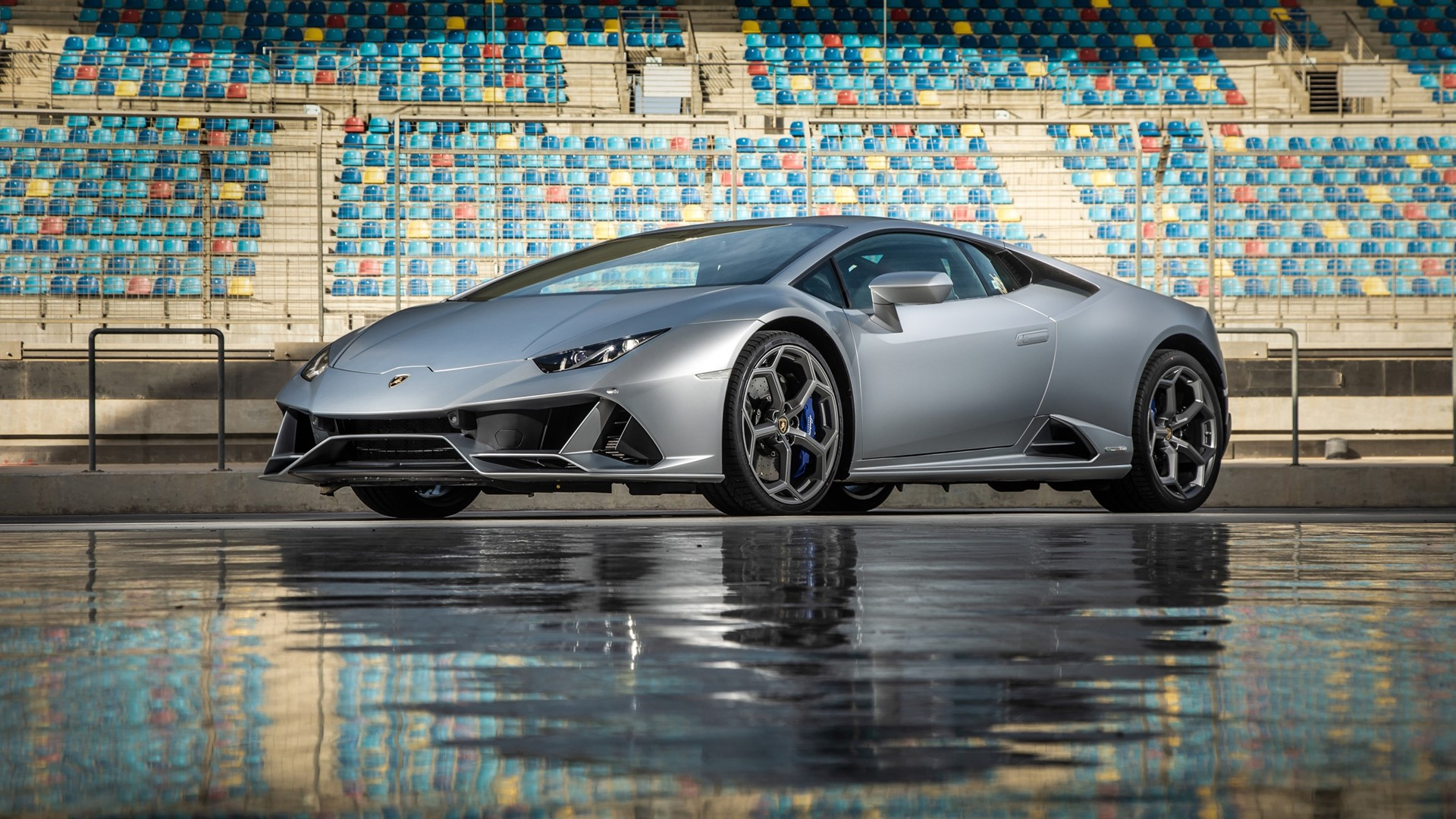 """""""Alexa, put on the heating in my Huracán EVO"""" Automobili Lamborghini is first automaker to incorporate full in-car control by Amazon Alexa - Image 1"""