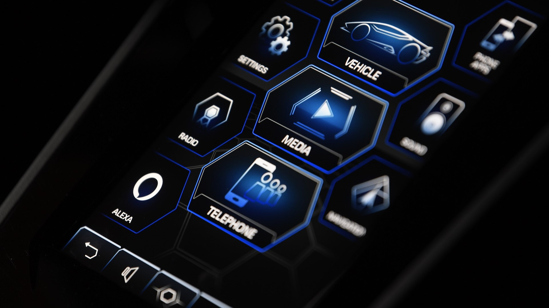 """""""Alexa, put on the heating in my Huracán EVO"""" Automobili Lamborghini is first automaker to incorporate full in-car control by Amazon Alexa - Image 5"""