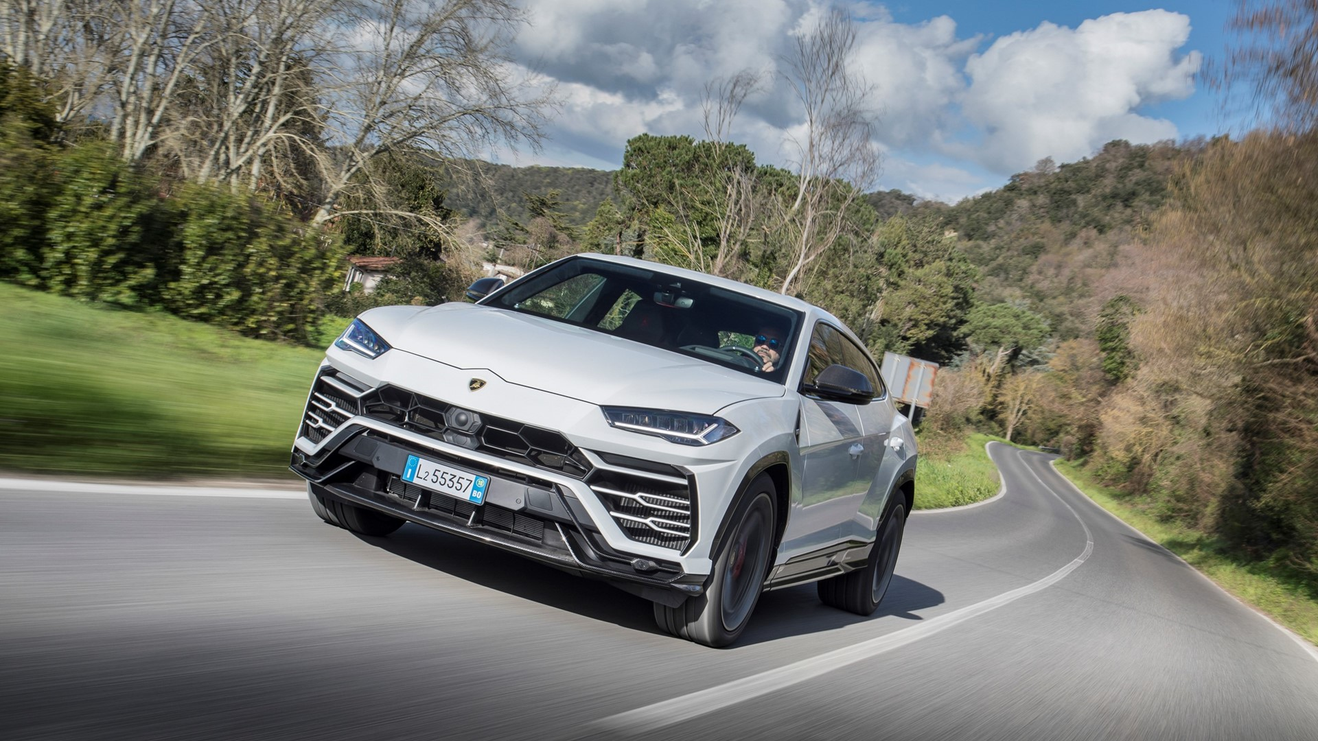 Automobili Lamborghini continues its global growth and marks new historic highs: 8,205 cars delivered in 2019 - Image 3