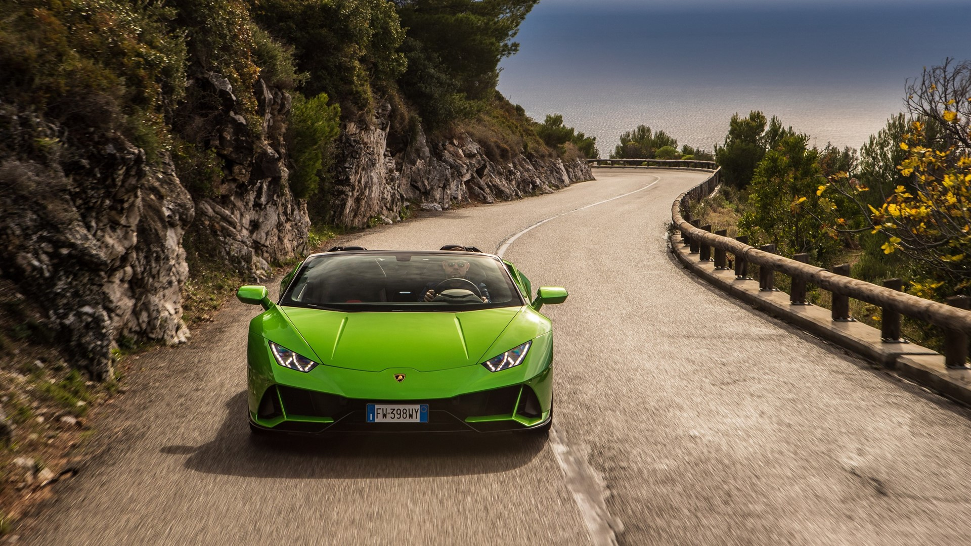 Automobili Lamborghini continues its global growth and marks new historic highs: 8,205 cars delivered in 2019 - Image 1