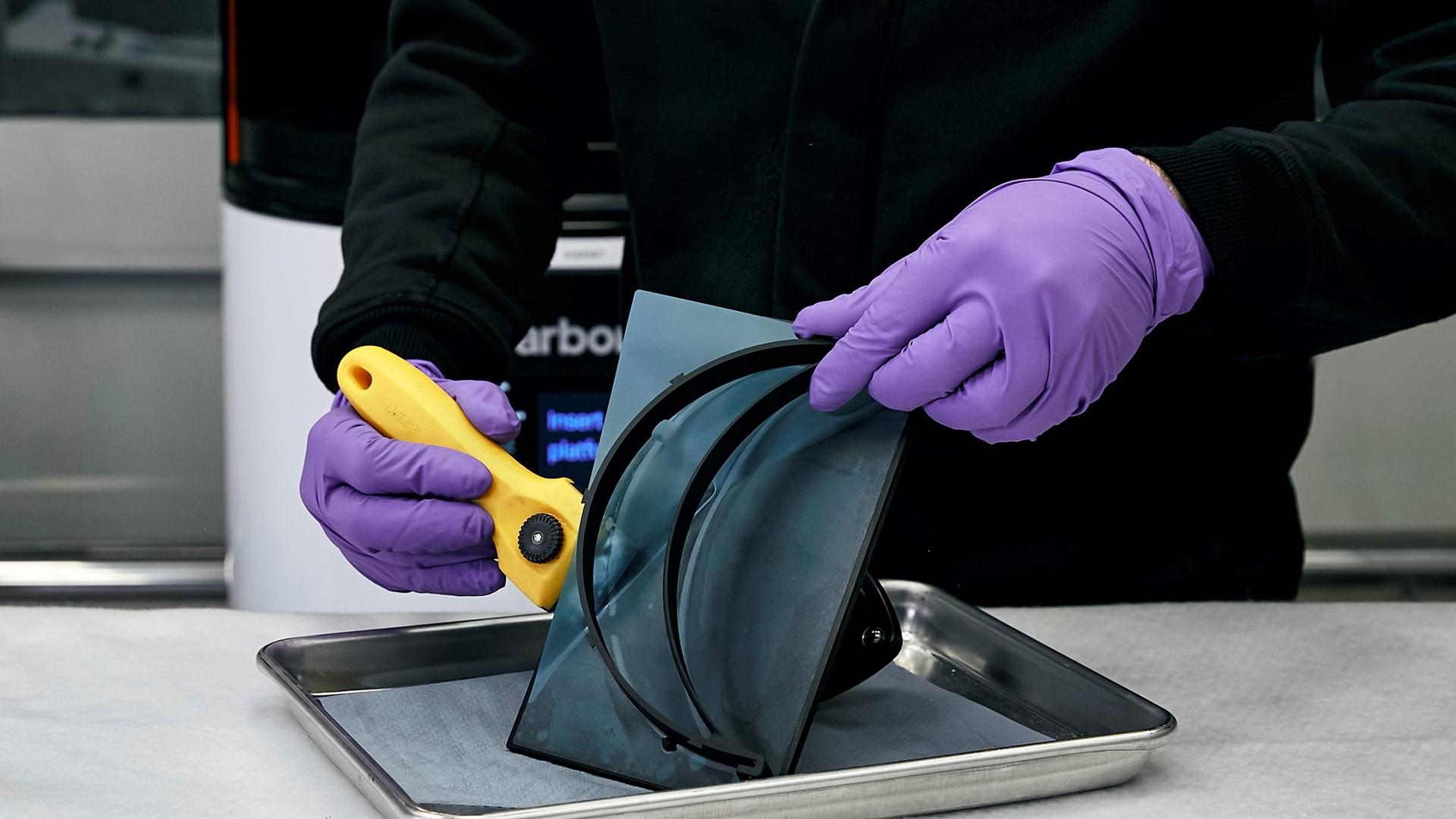 Automobili Lamborghini starts production of surgical masks and medical shields for use in Coronavirus pandemic - Image 4