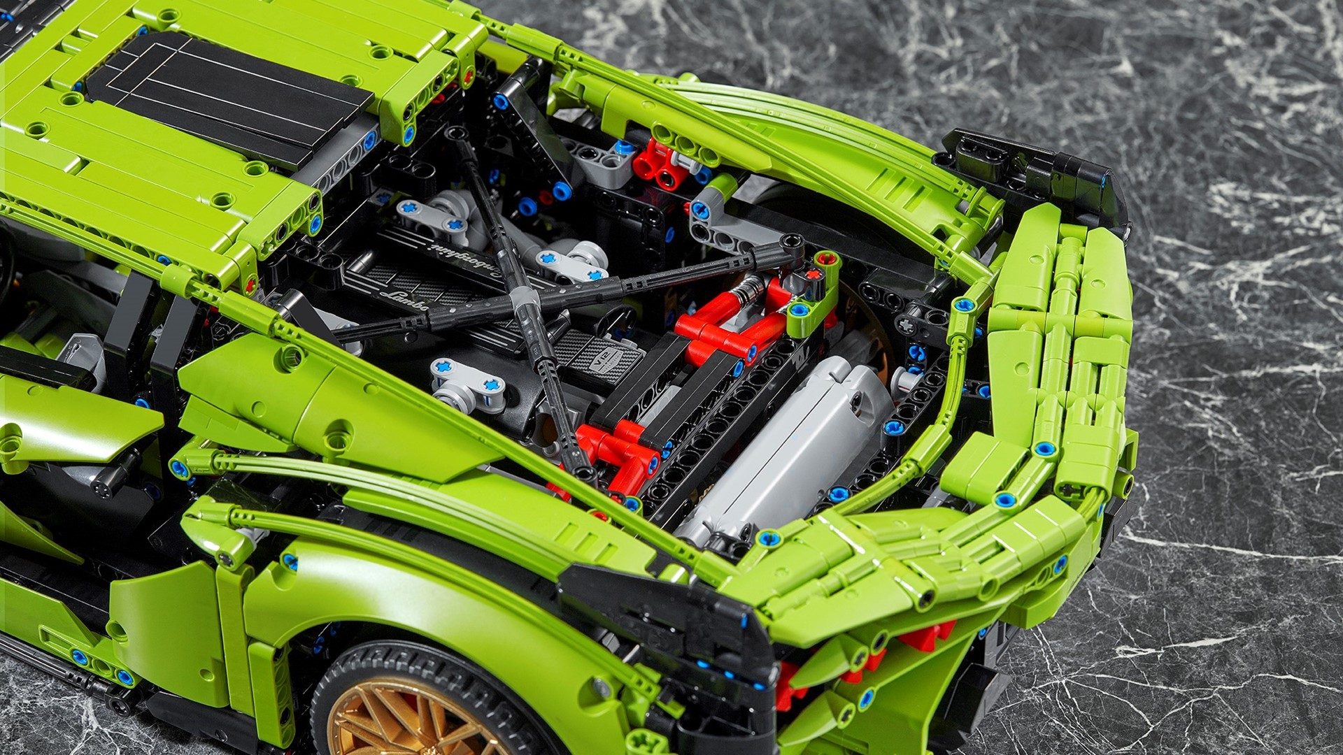 Automobili Lamborghini and the LEGO Group recreate the Lamborghini Sián FKP 37: the most powerful Lamborghini produced, in LEGO® Technic™ - Image 4