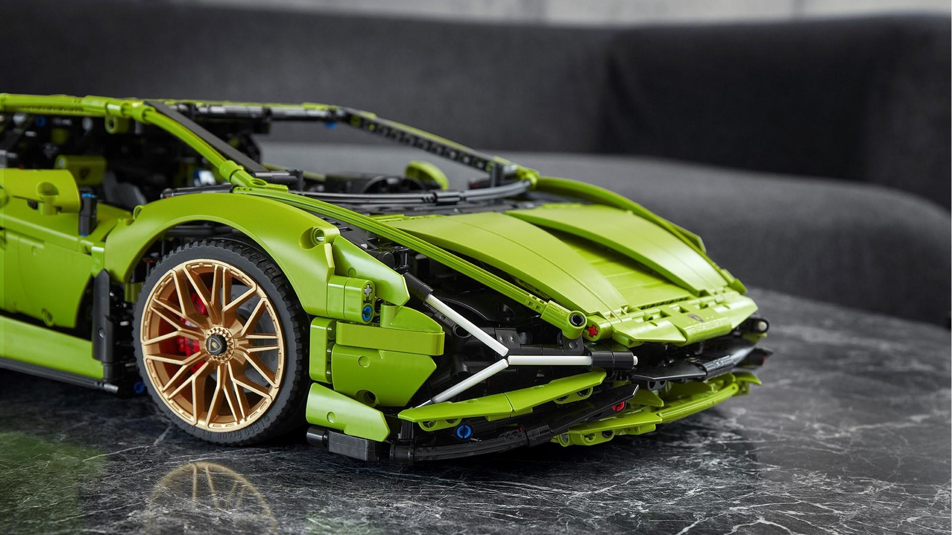 Automobili Lamborghini and the LEGO Group recreate the Lamborghini Sián FKP 37: the most powerful Lamborghini produced, in LEGO® Technic™ - Image 3