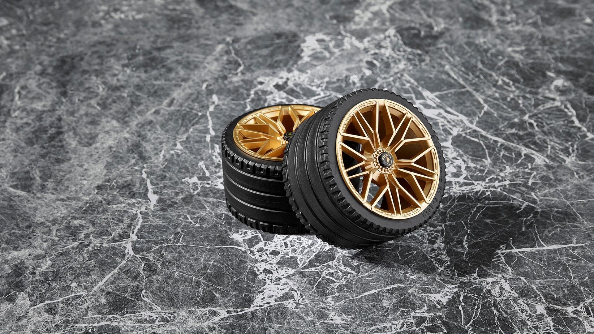 Automobili Lamborghini and the LEGO Group recreate the Lamborghini Sián FKP 37: the most powerful Lamborghini produced, in LEGO® Technic™ - Image 1