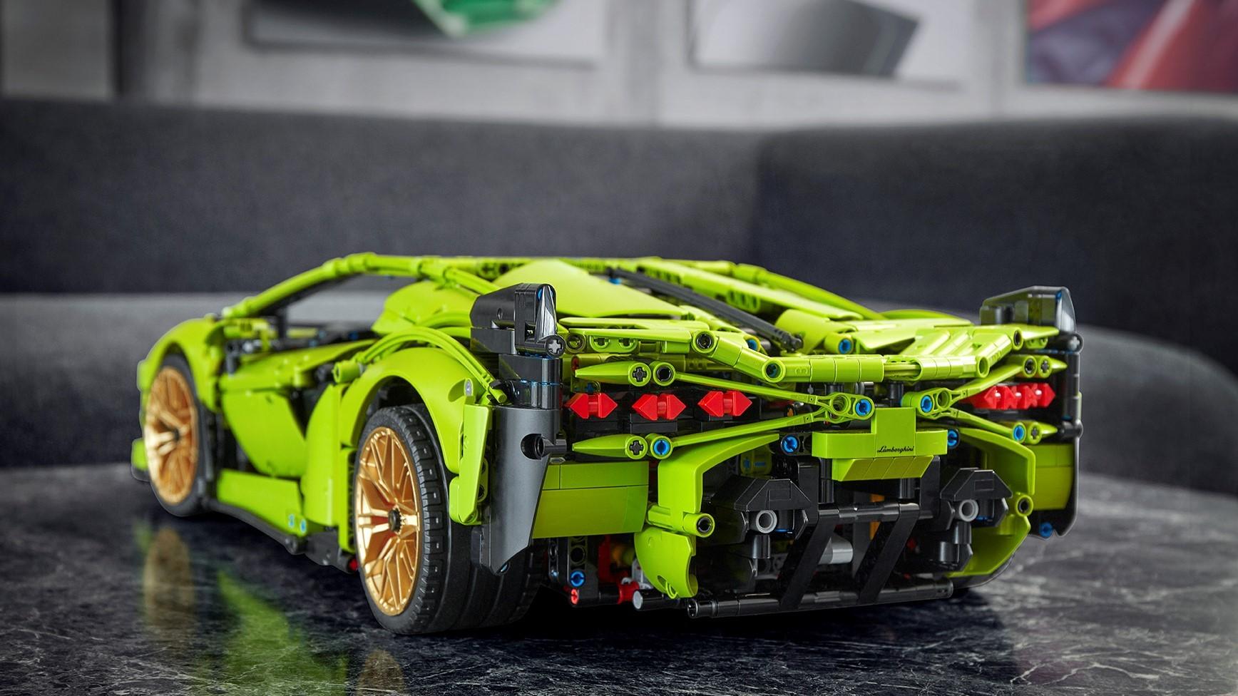 Automobili Lamborghini and the LEGO Group recreate the Lamborghini Sián FKP 37: the most powerful Lamborghini produced, in LEGO® Technic™ - Image 5