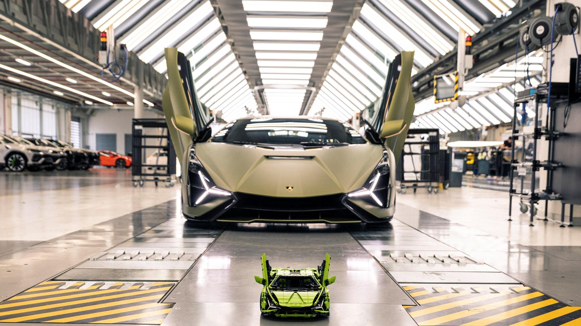 Automobili Lamborghini and the LEGO Group recreate the Lamborghini Sián FKP 37: the most powerful Lamborghini produced, in LEGO® Technic™ - Image 8