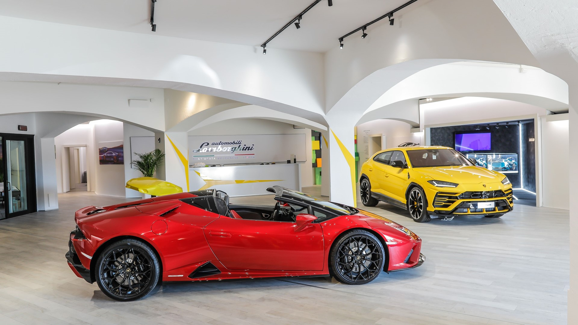 Lamborghini Lounge returns to Porto Cervo: live premier of Huracán EVO RWD Spyder with an exclusive Colours and Stars dinner by Mauro Colagreco. - Image 3