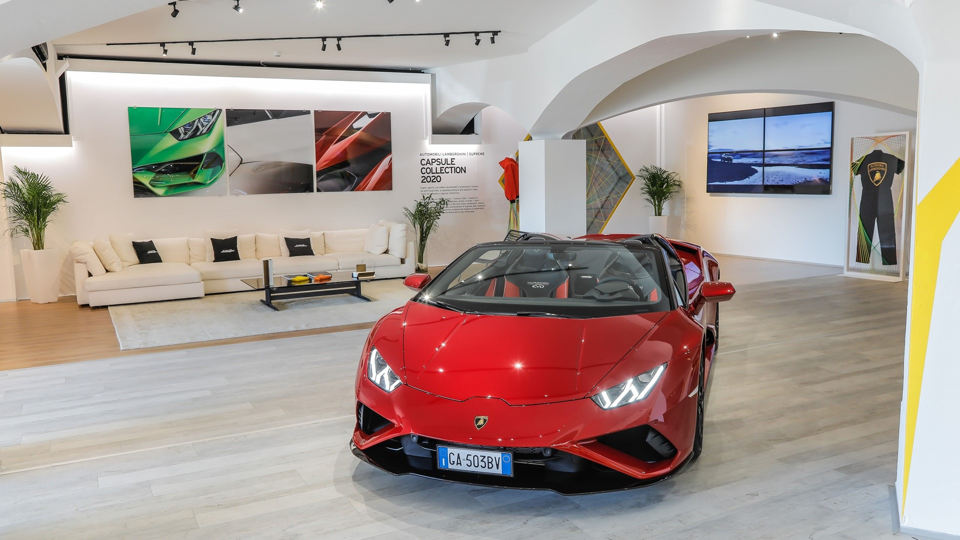 Lamborghini Lounge returns to Porto Cervo: live premier of Huracán EVO RWD Spyder with an exclusive Colours and Stars dinner by Mauro Colagreco. - Image 2