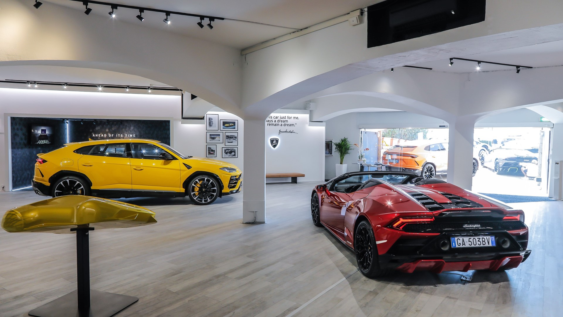 Lamborghini Lounge returns to Porto Cervo: live premier of Huracán EVO RWD Spyder with an exclusive Colours and Stars dinner by Mauro Colagreco. - Image 1