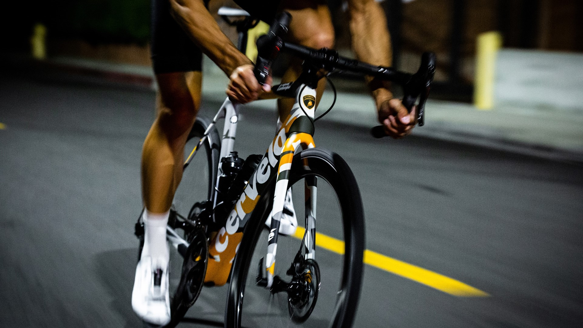 Automobili Lamborghini and Cervélo present the new R5 bicycle in a limited edition - Image 5