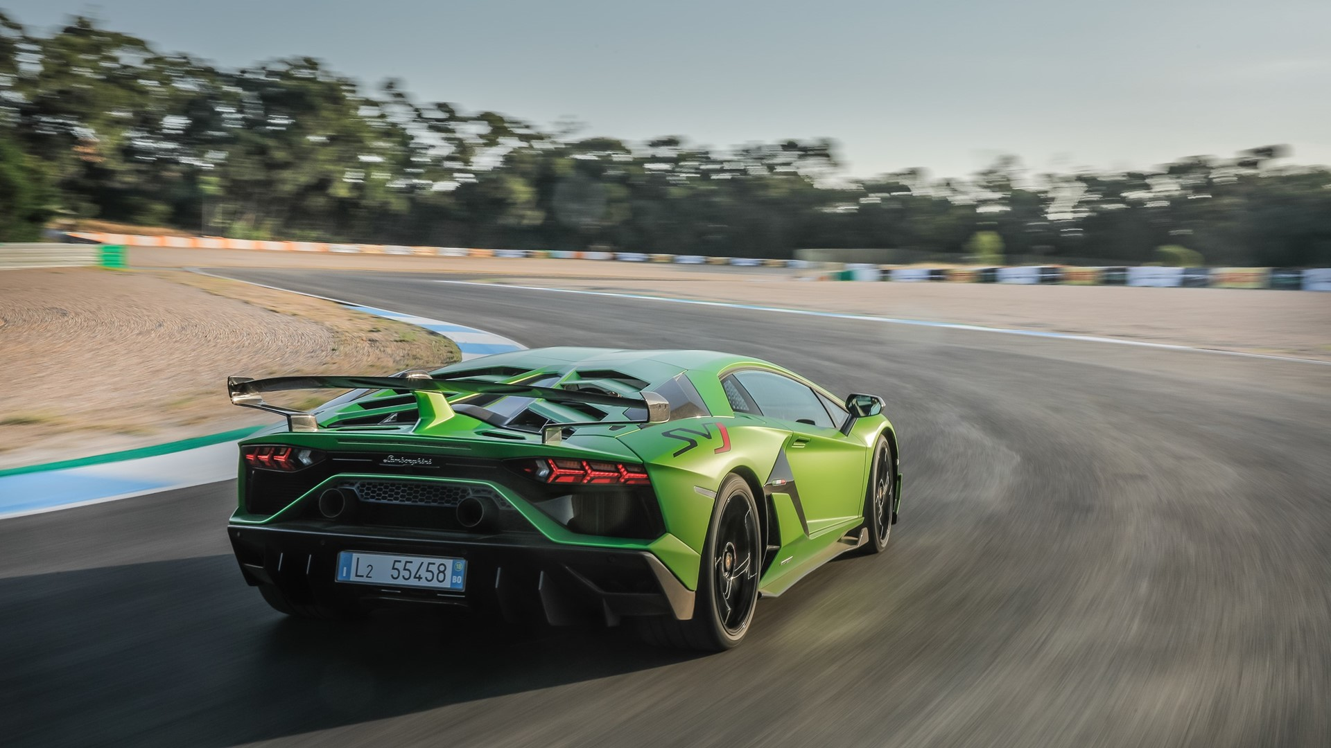 New production record: Automobili Lamborghini celebrates the 10,000th Aventador - Image 4