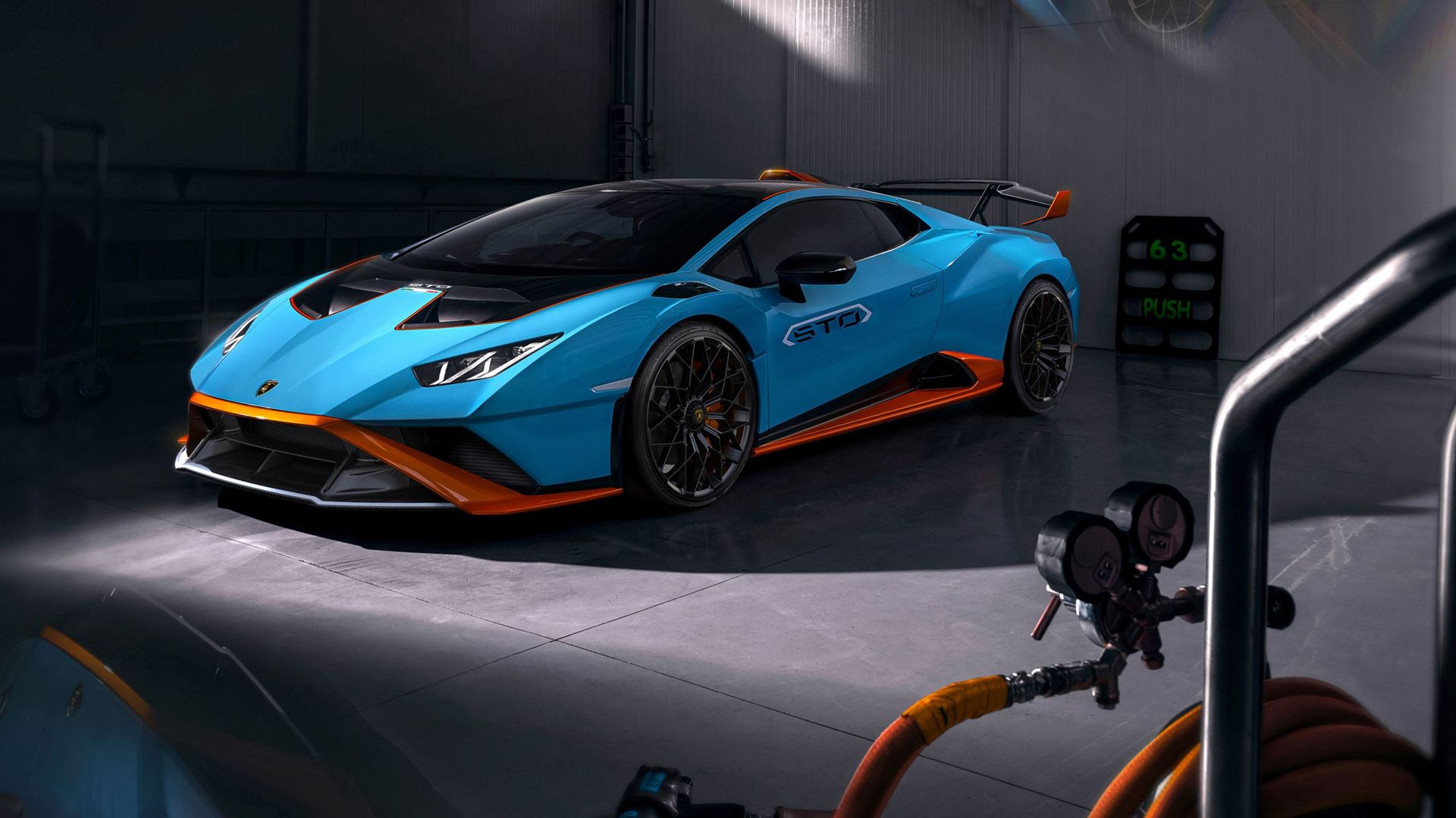 Racetrack to road: the new Lamborghini Huracán STO - Image 2