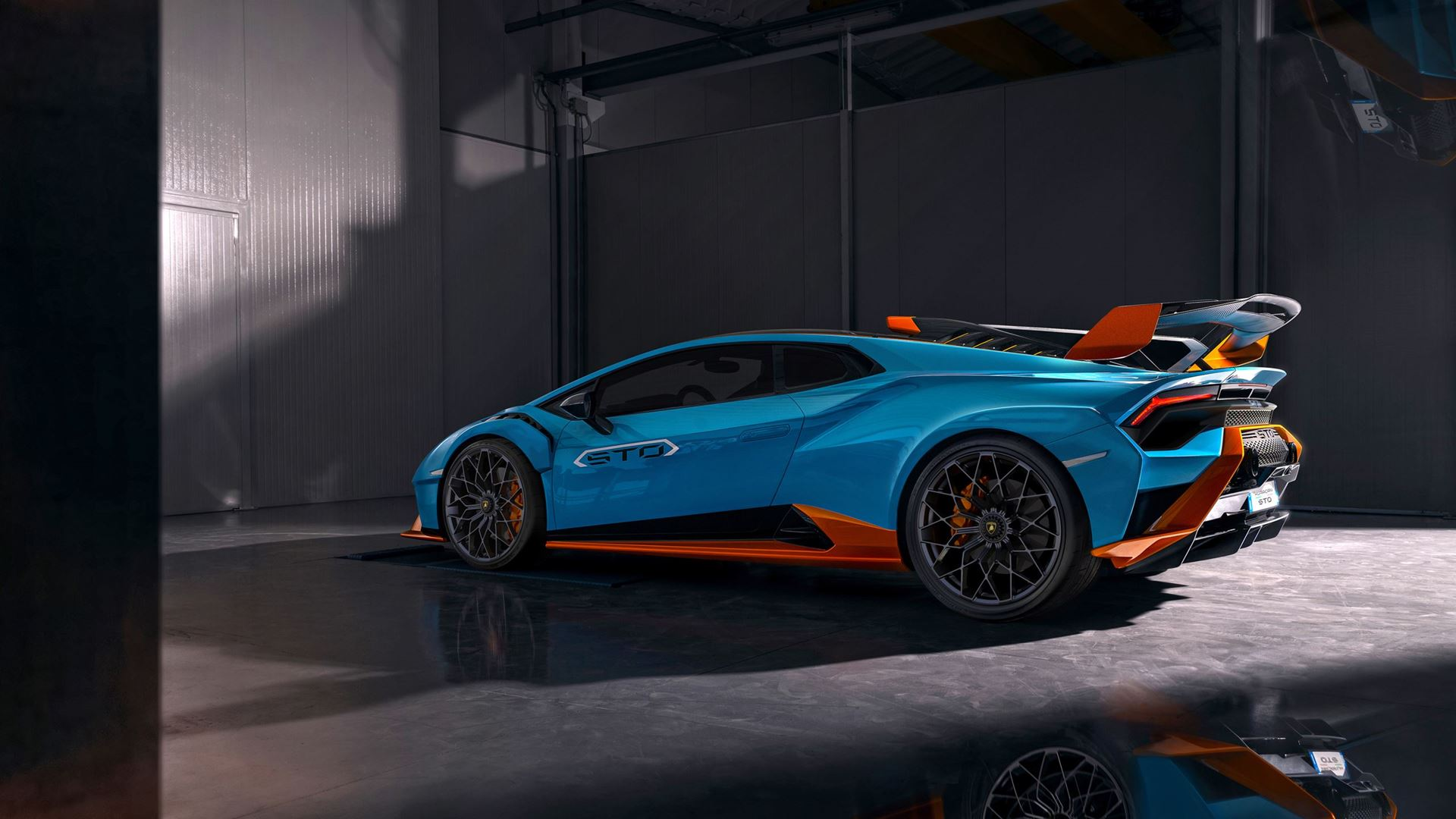 Racetrack to road: the new Lamborghini Huracán STO - Image 1