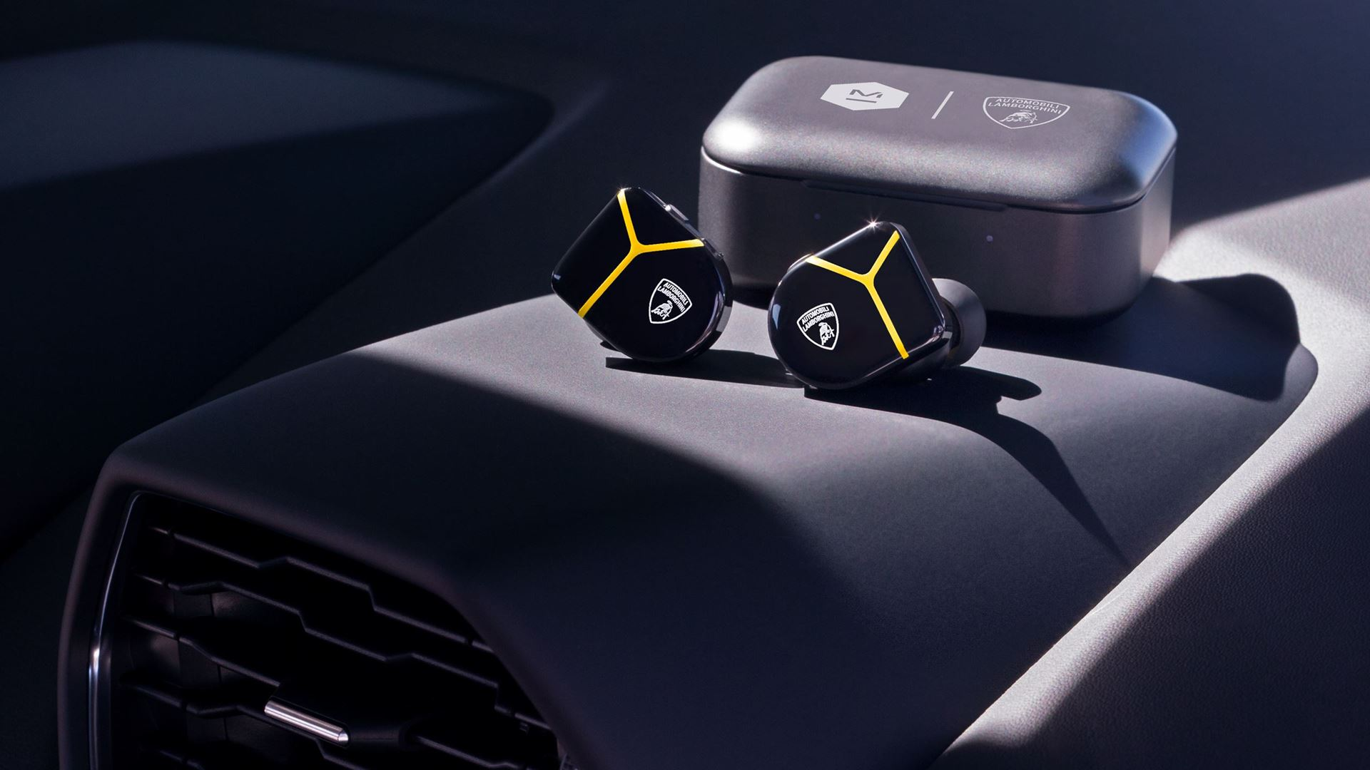 Automobili Lamborghini partners with Master & Dynamic on new headphones and earphones collection - Image 2