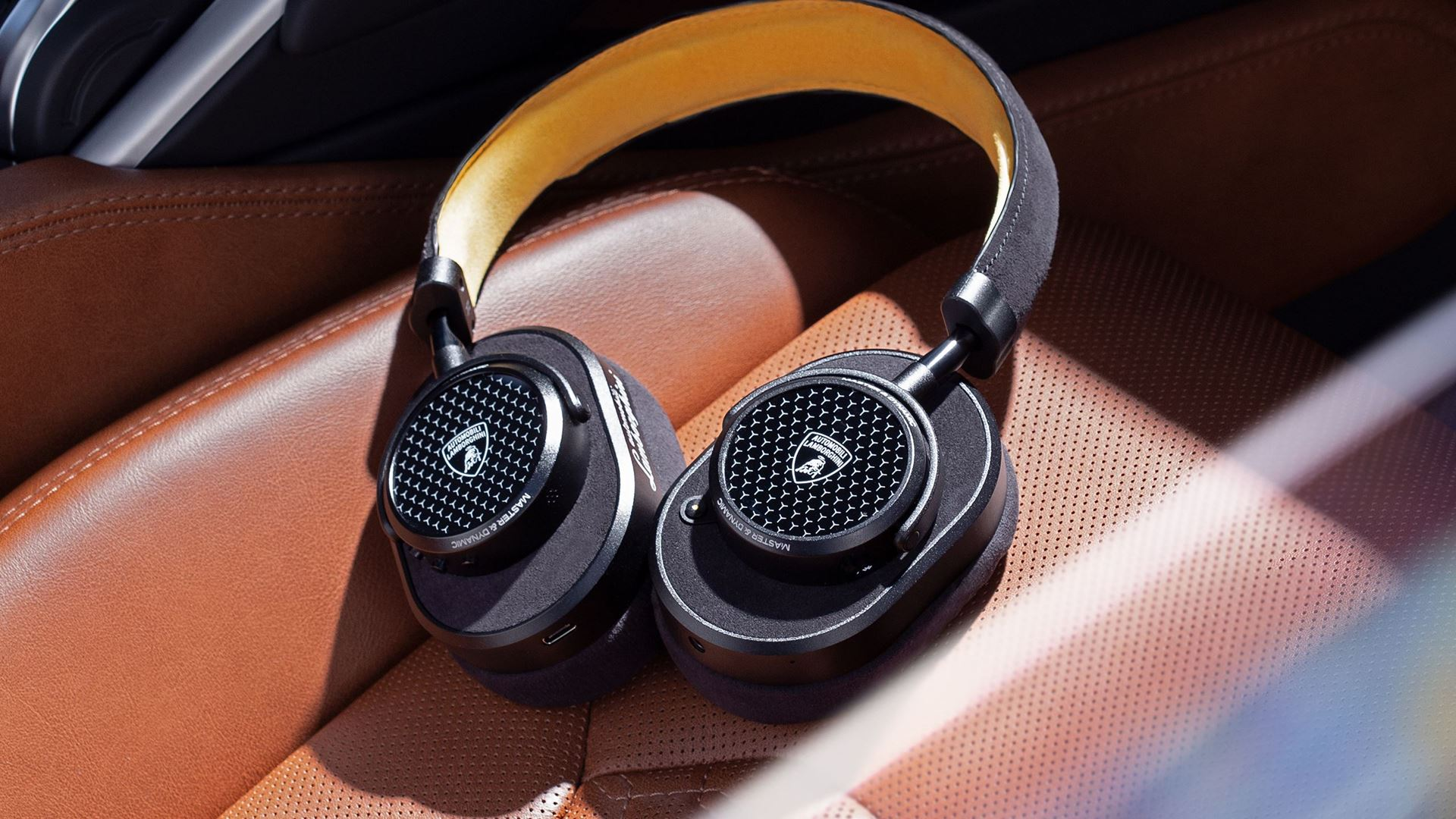 Automobili Lamborghini partners with Master & Dynamic on new headphones and earphones collection - Image 5