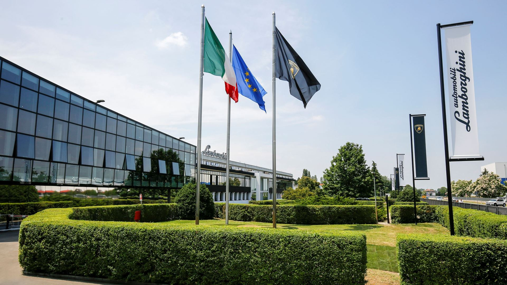 Automobili Lamborghini: Strong profitability and second-best year ever for turnover and sales - Image 8