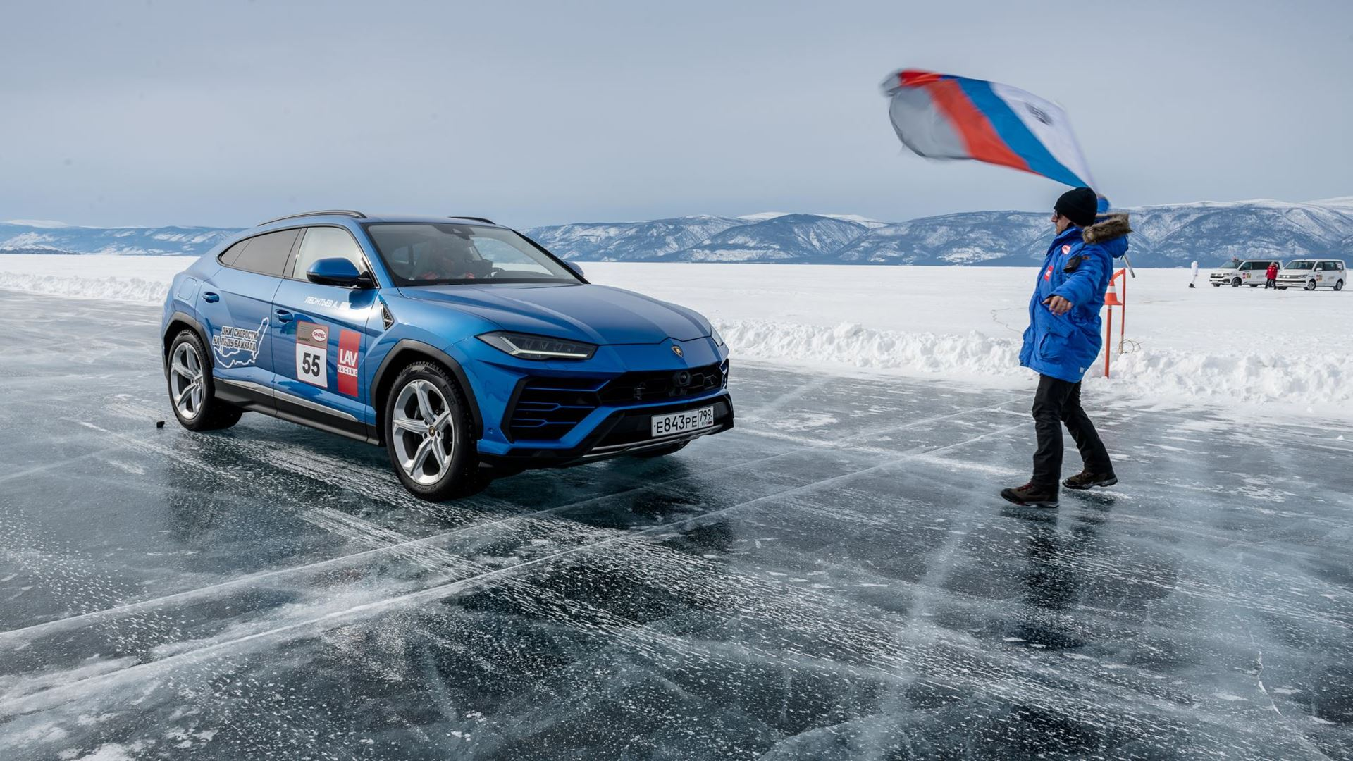 Lamborghini Urus sets high-speed record on the ice of Lake Baikal - Image 7