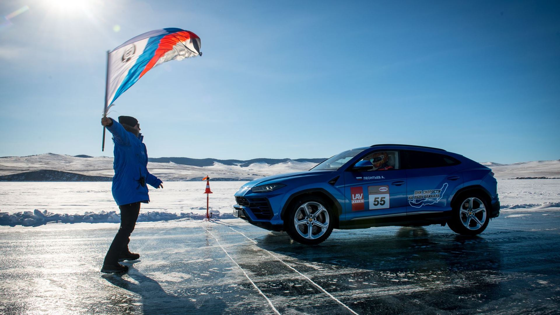 Lamborghini Urus sets high-speed record on the ice of Lake Baikal - Image 5