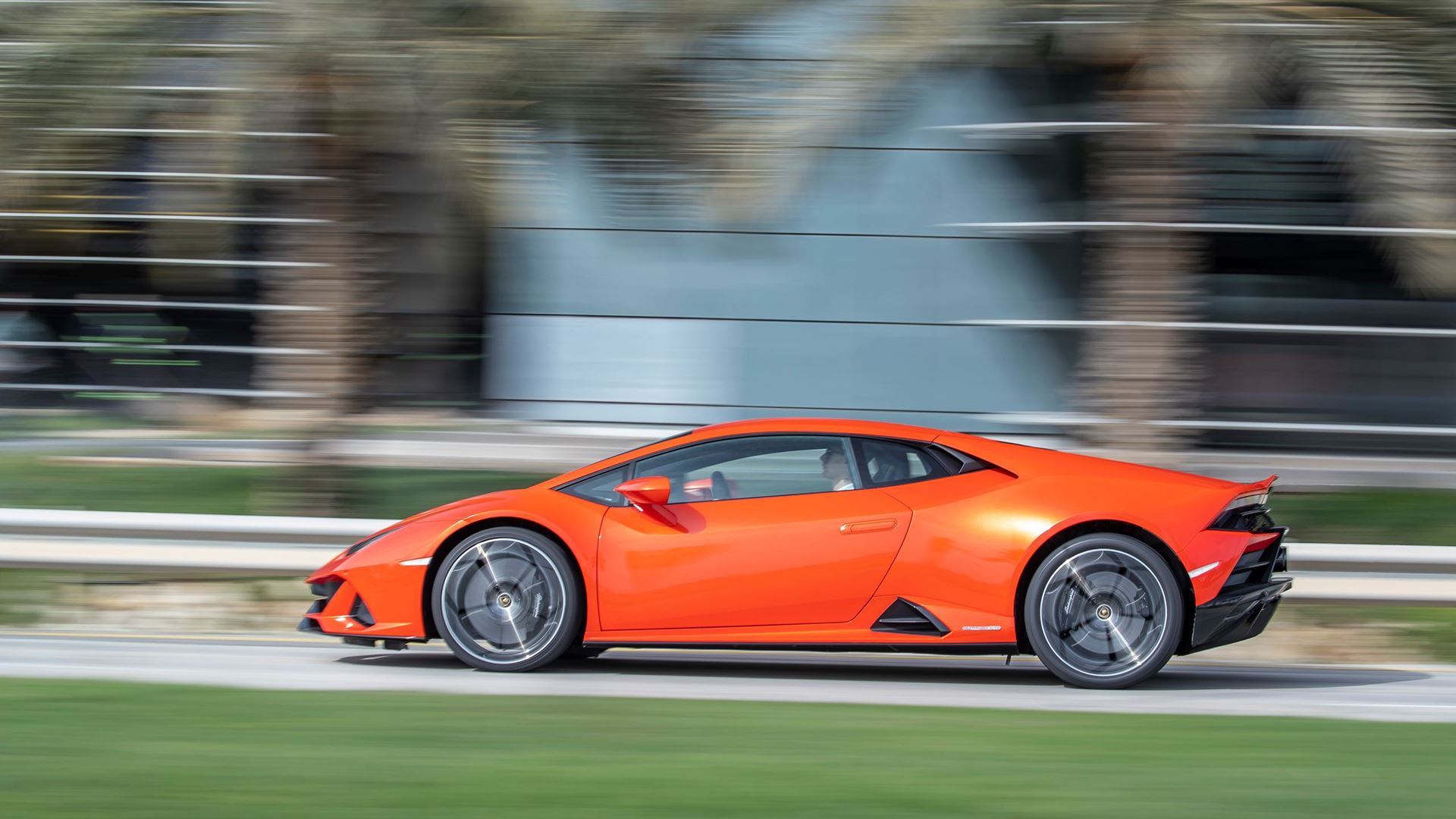 New suite of connected services for the Lamborghini Huracán EVO range: Automobili Lamborghini is first to incorporate comprehensive in-car control by Amazon Alexa - Image 4