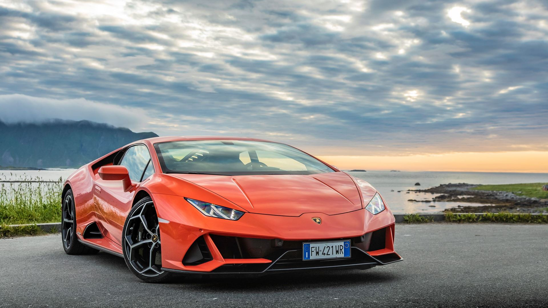 New suite of connected services for the Lamborghini Huracán EVO range: Automobili Lamborghini is first to incorporate comprehensive in-car control by Amazon Alexa - Image 8