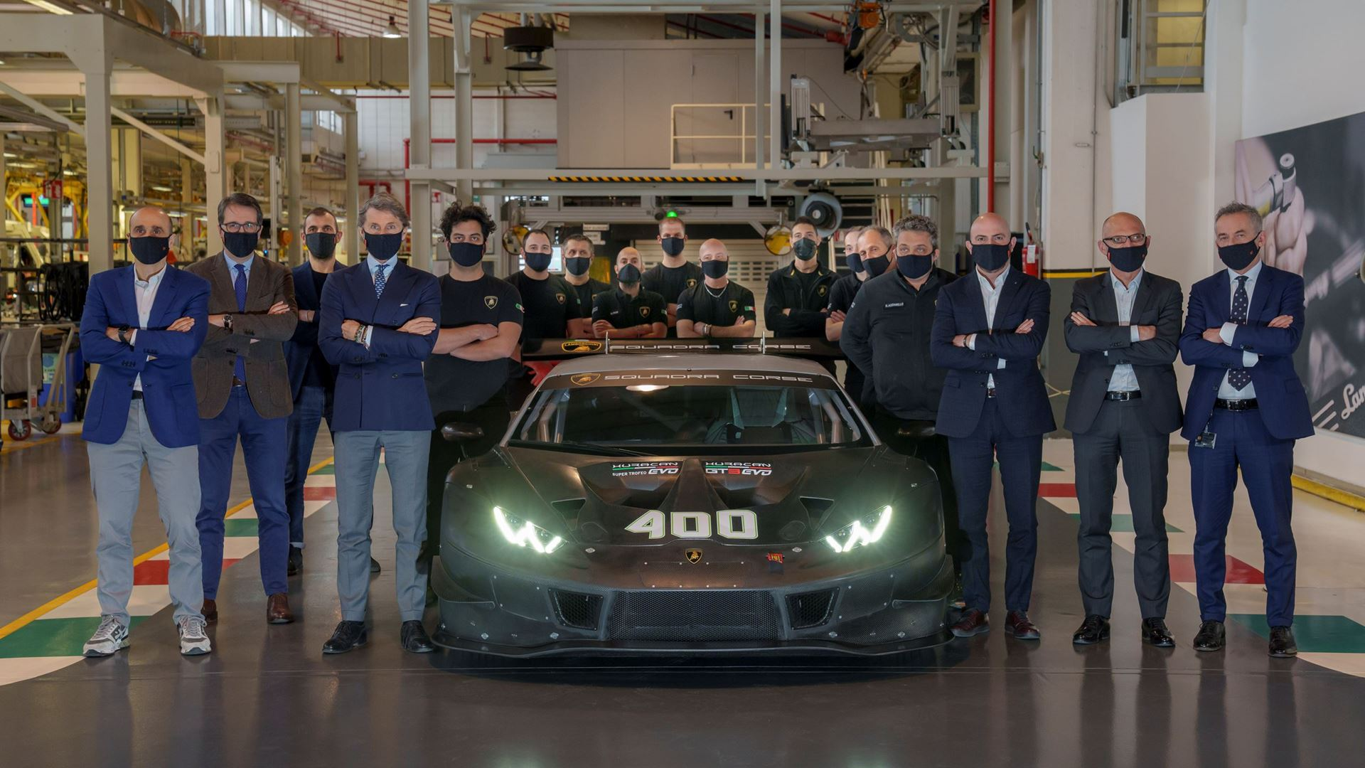 Lamborghini celebrates production of the 400th Huracán racing car - Image 3