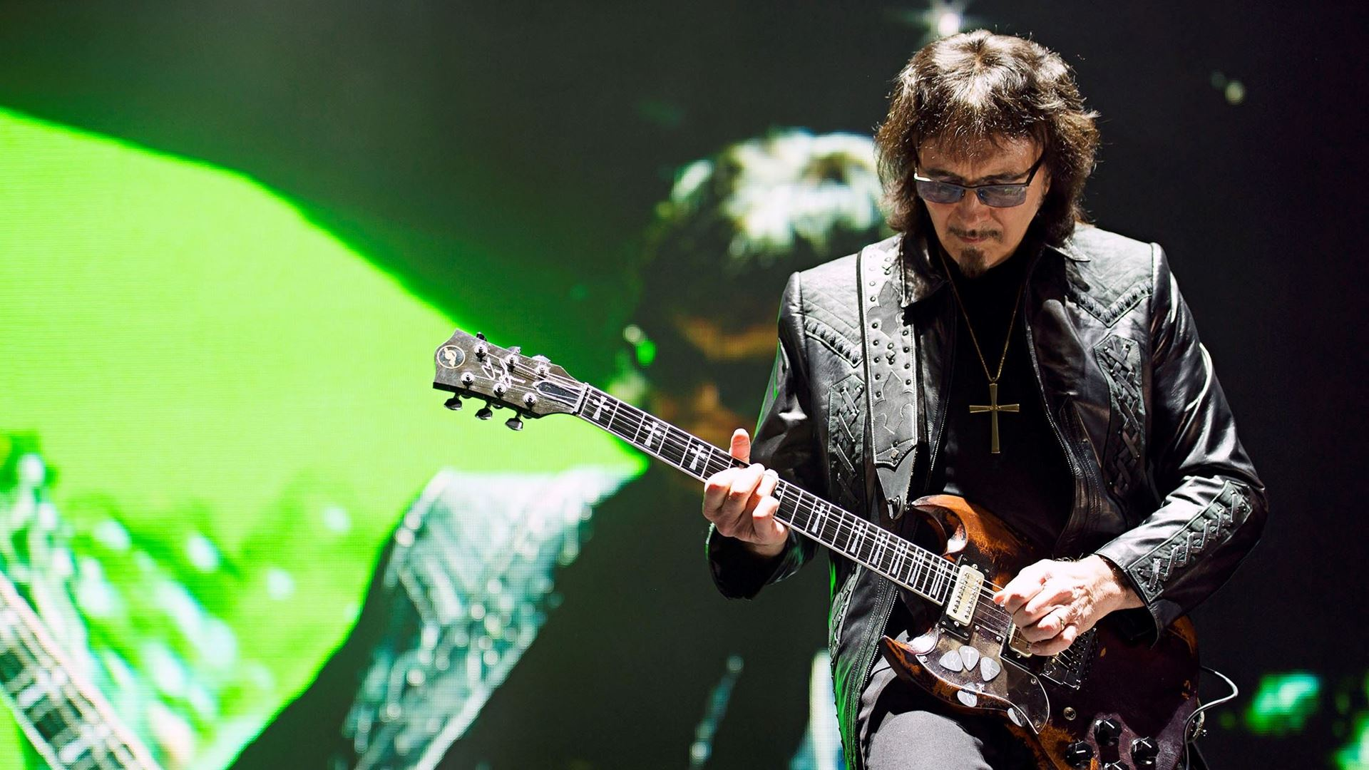 The link between Black Sabbath and Automobili Lamborghini: Rock legend Tony Iommi shares his passion for super sports cars from Sant'Agata Bolognese - Image 1