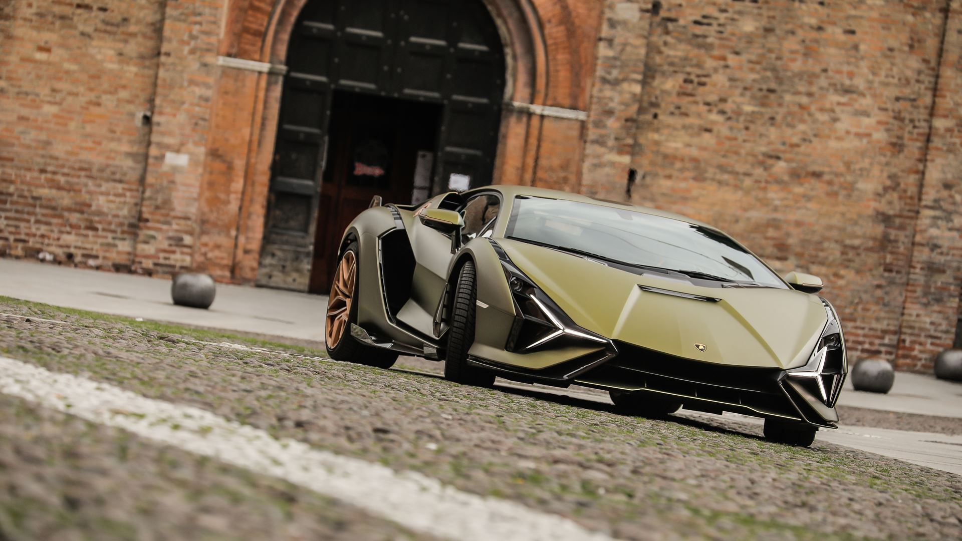 Automobili Lamborghini builds dream cars, also with LEGO® Technic™ - Life-size Lamborghini Sián FKP 37 created from over 400,000 LEGO® elements - Image 6