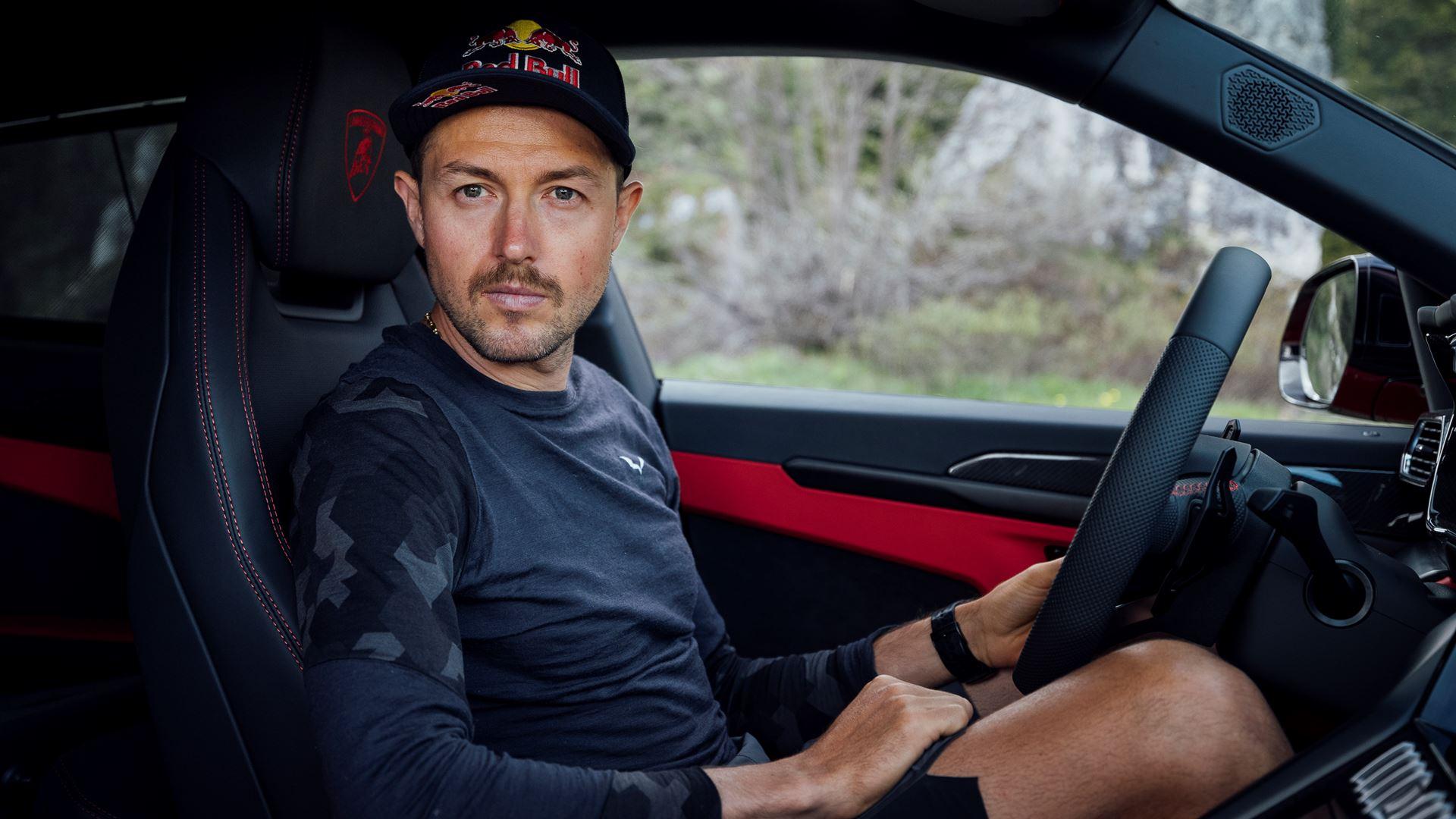 Lamborghini Urus and Aaron Durogati together for an extraordinary feat - Image 5
