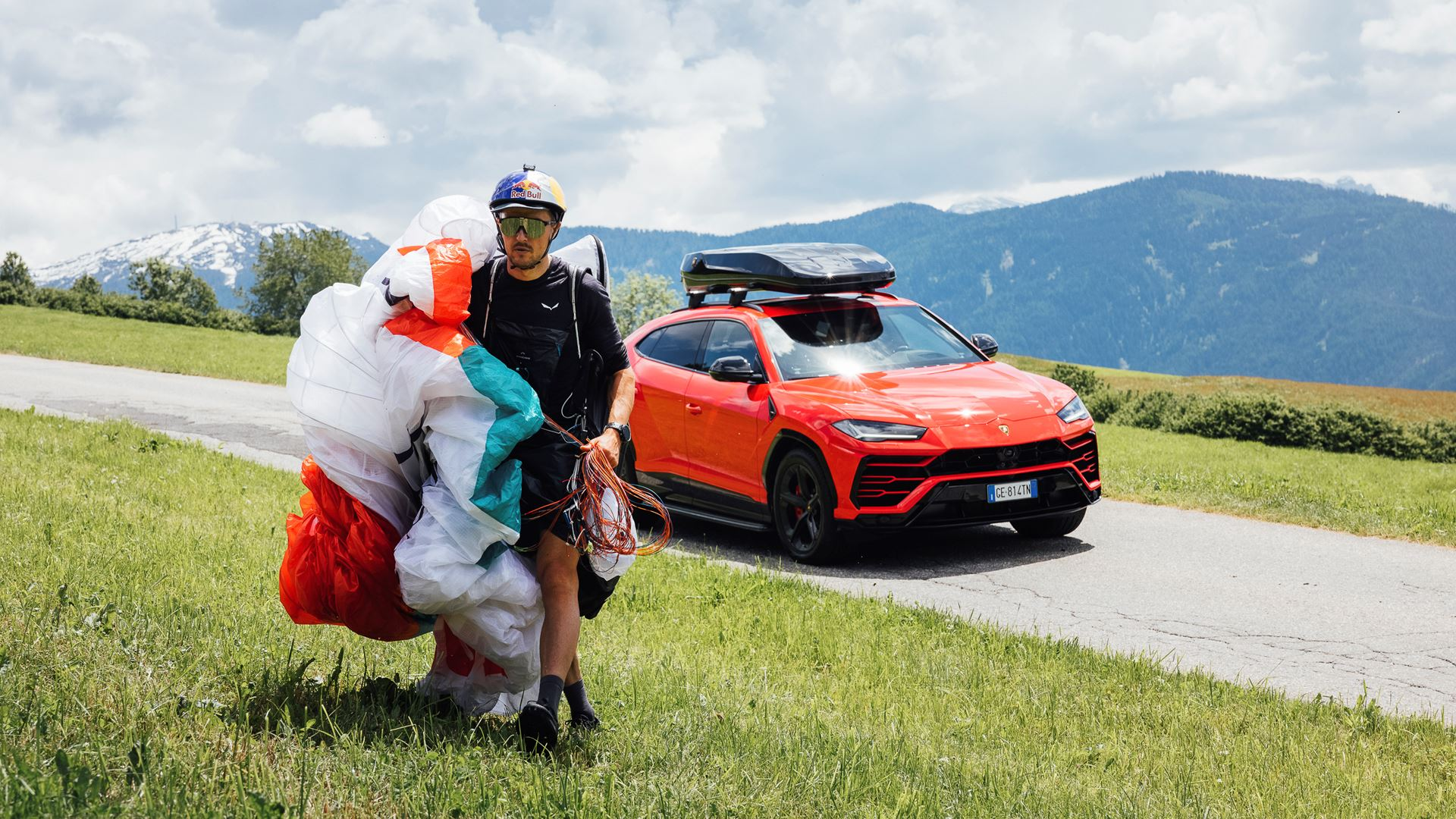 Lamborghini Urus and Aaron Durogati together for an extraordinary feat - Image 3
