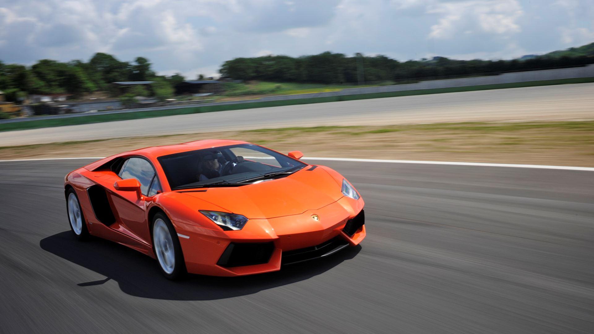 Lamborghini Aventador: 10 innovations in 10 years - Image 3