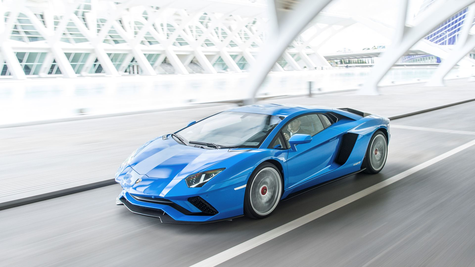 Lamborghini Aventador: 10 innovations in 10 years - Image 1