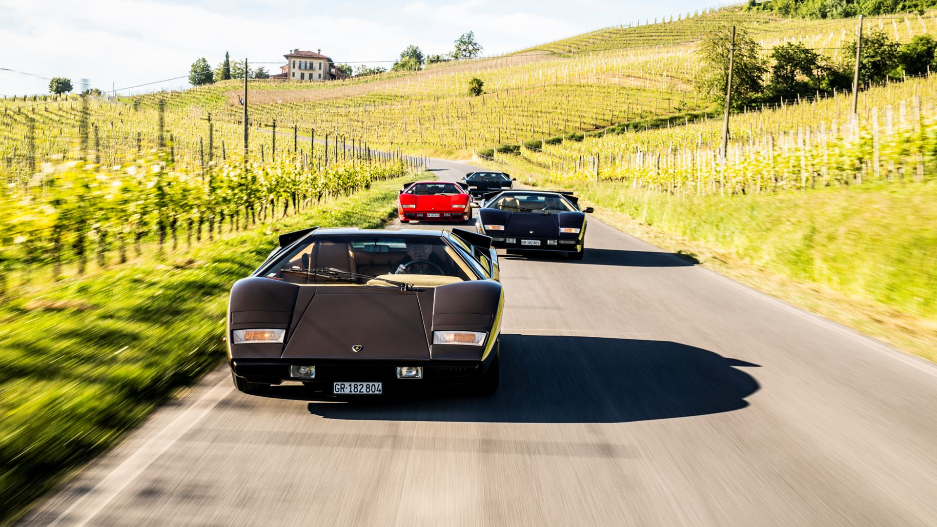 The legacy of the Lamborghini Countach in a video series. From the idea car, the LP 500 of 1971, to five generations spanning seventeen years - Image 6