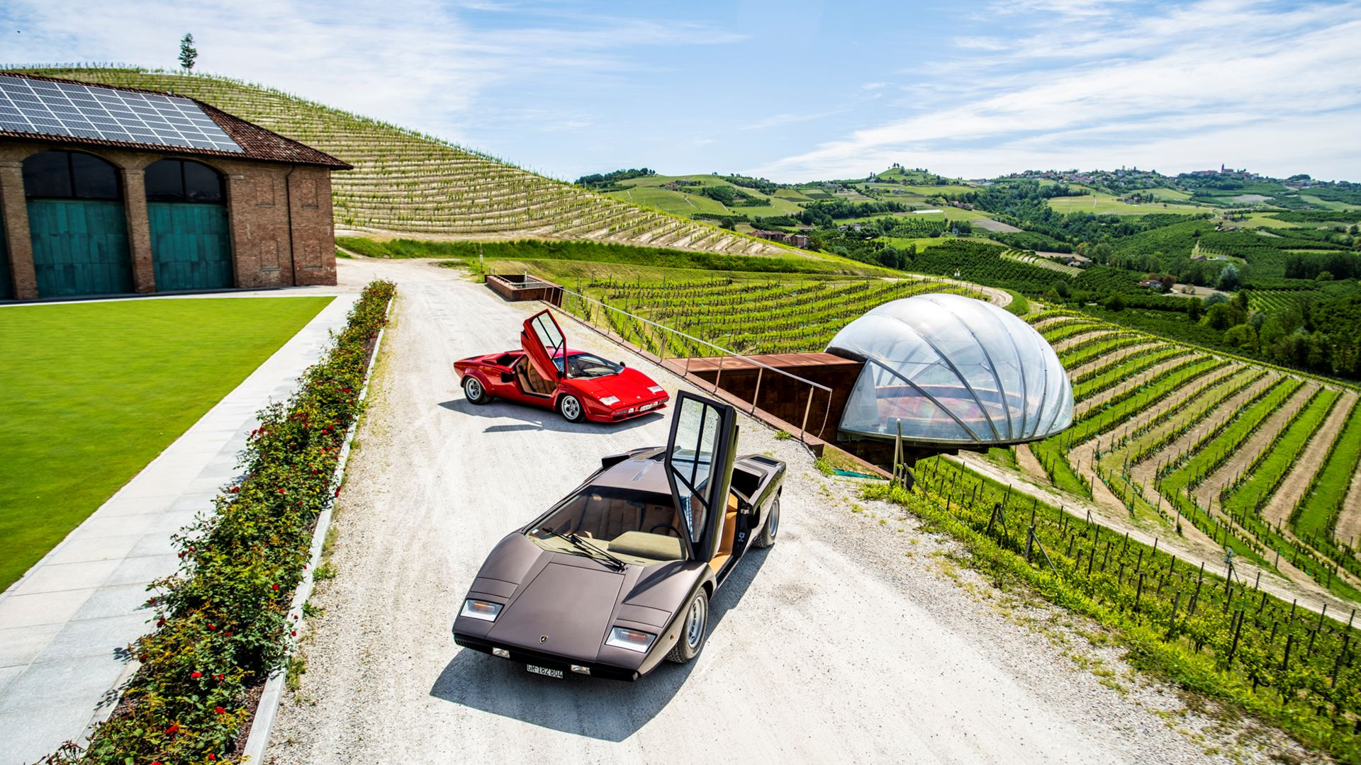 The legacy of the Lamborghini Countach in a video series. From the idea car, the LP 500 of 1971, to five generations spanning seventeen years - Image 5
