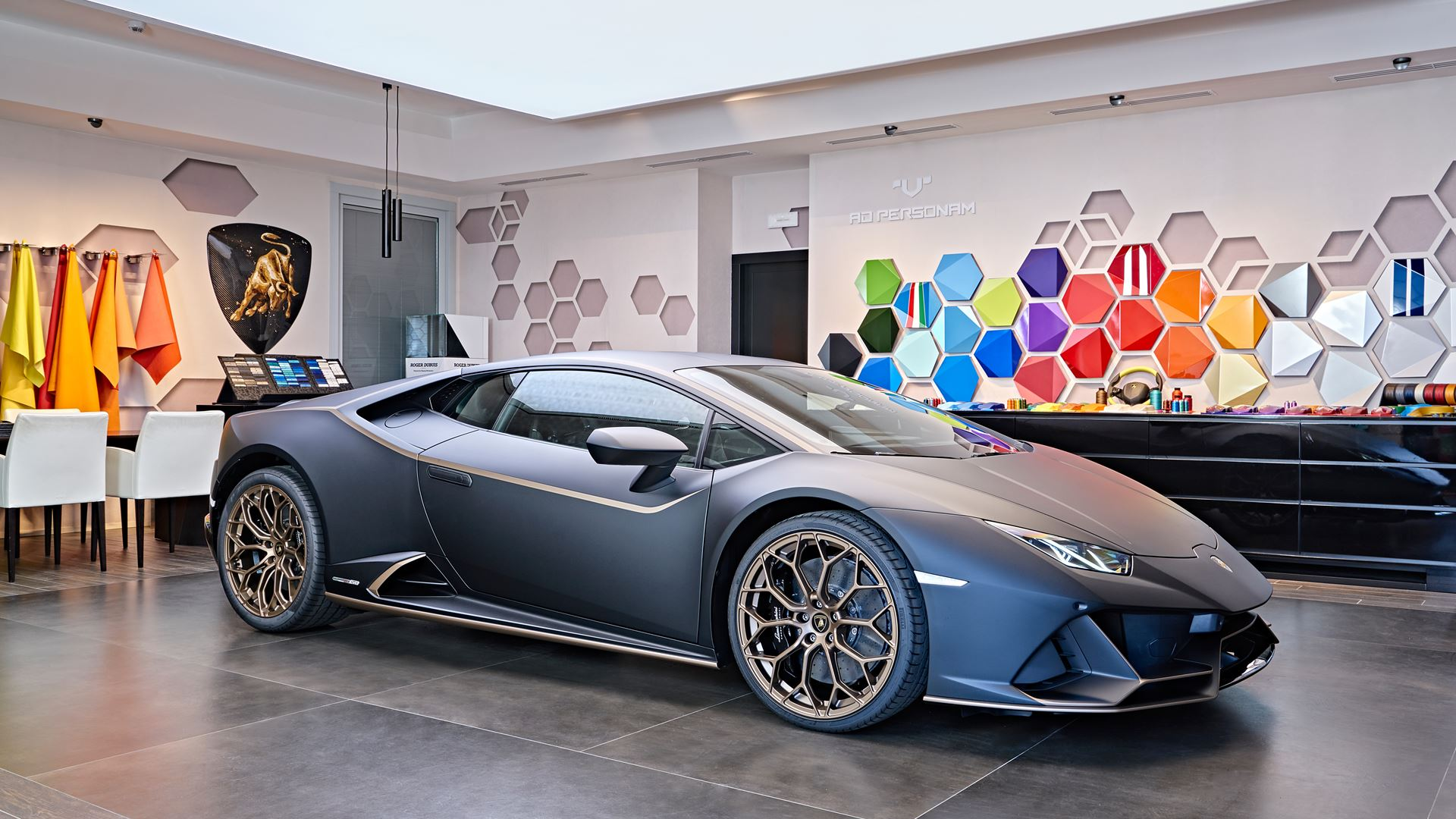 Lamborghini Mexico Commissions Special Edition Models To Commemorate 10 Years in the Region - Image 2