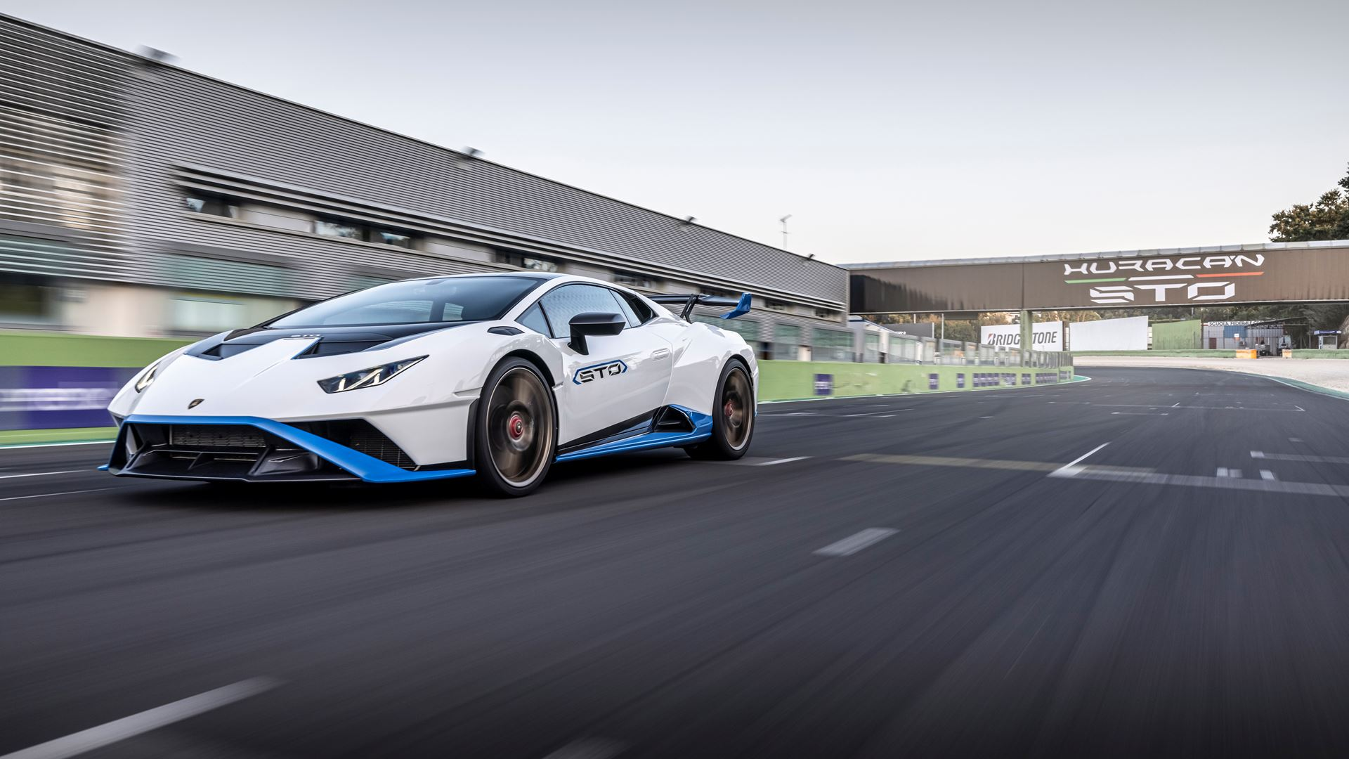 Lamborghini Huracán STO finally unleashed First test-drives in Rome and at the Autodromo Piero Taruffi in Vallelunga - Image 6
