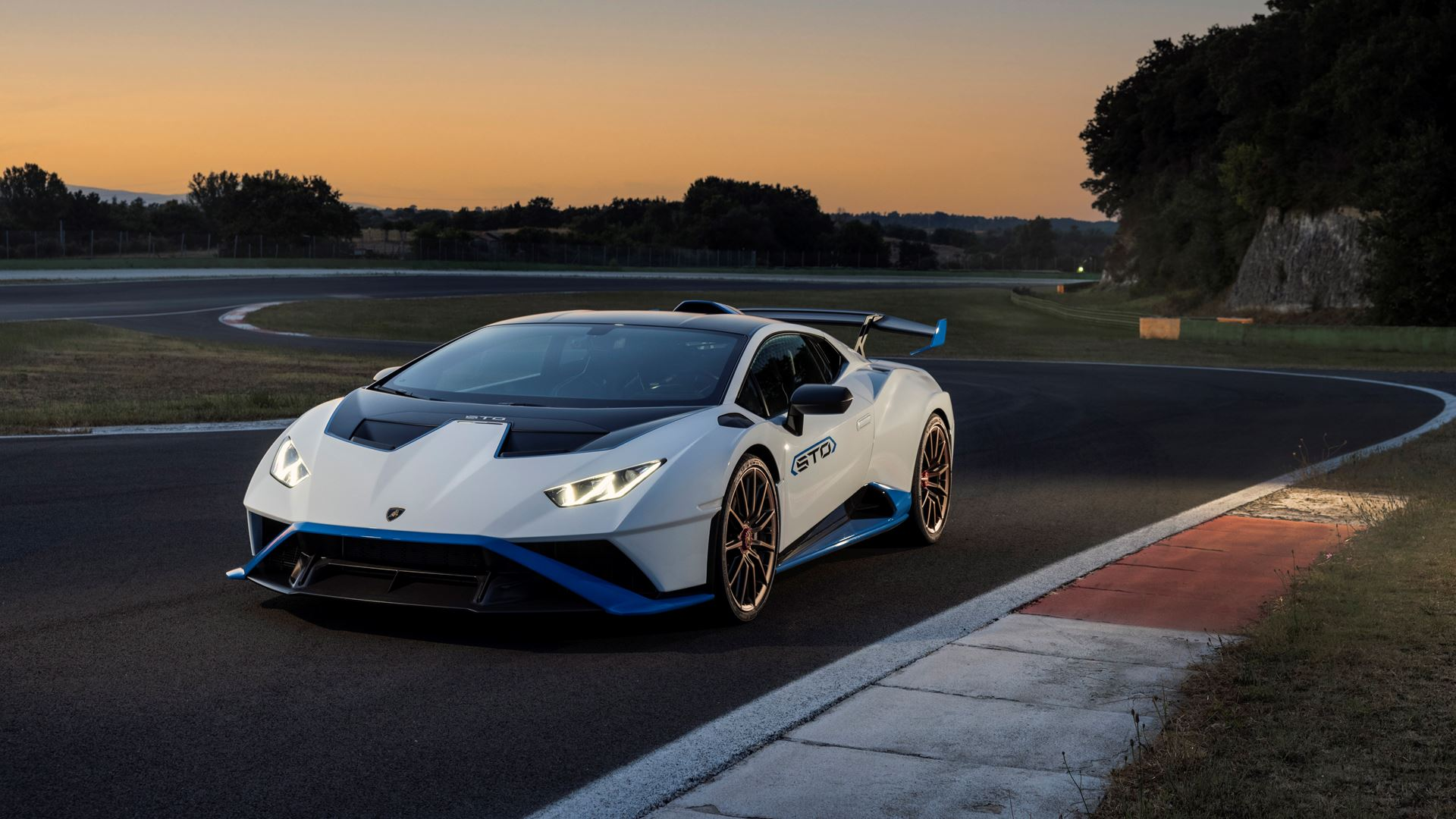 Lamborghini Huracán STO finally unleashed First test-drives in Rome and at the Autodromo Piero Taruffi in Vallelunga - Image 4