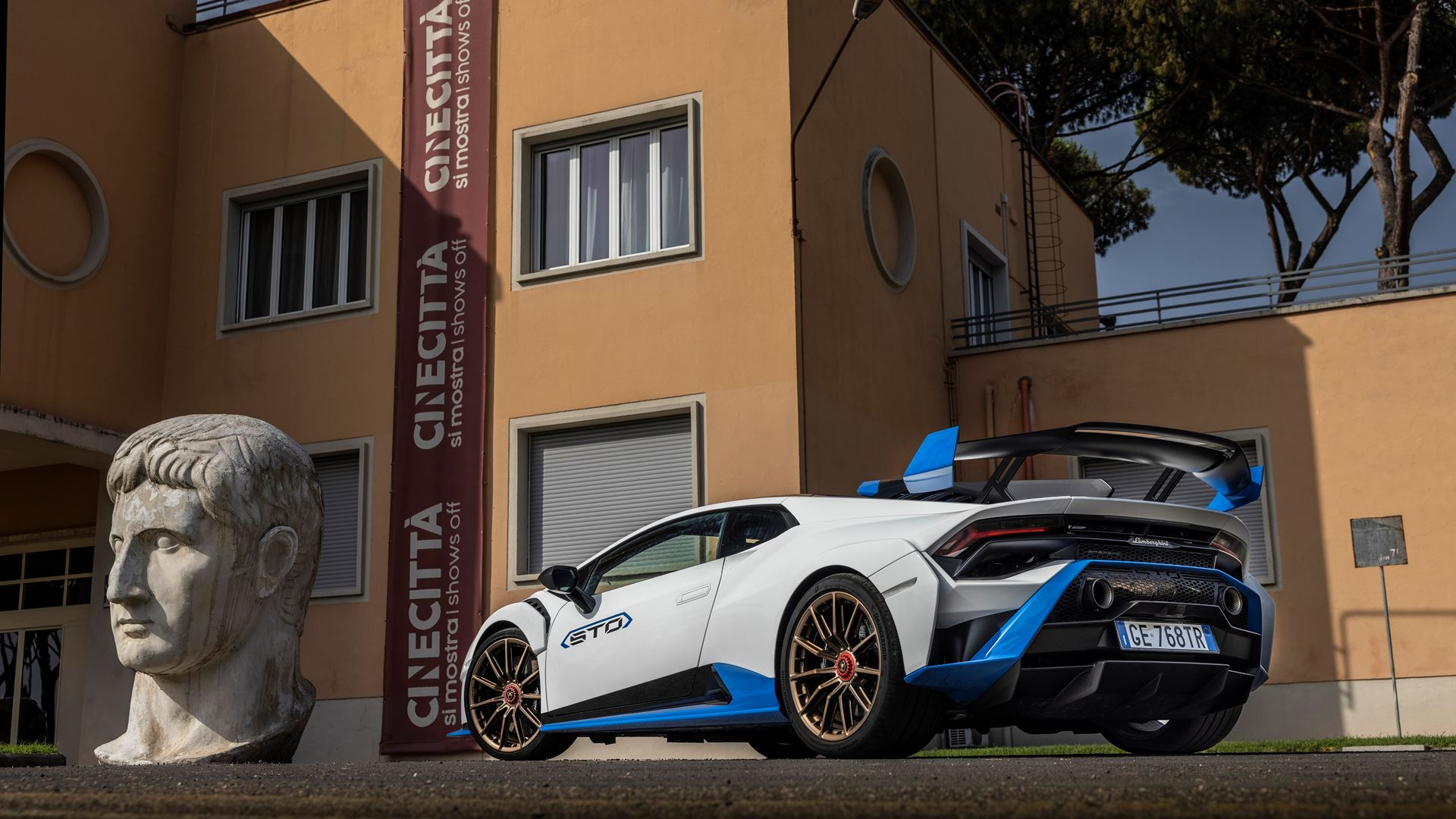 Lamborghini Huracán STO finally unleashed First test-drives in Rome and at the Autodromo Piero Taruffi in Vallelunga - Image 3