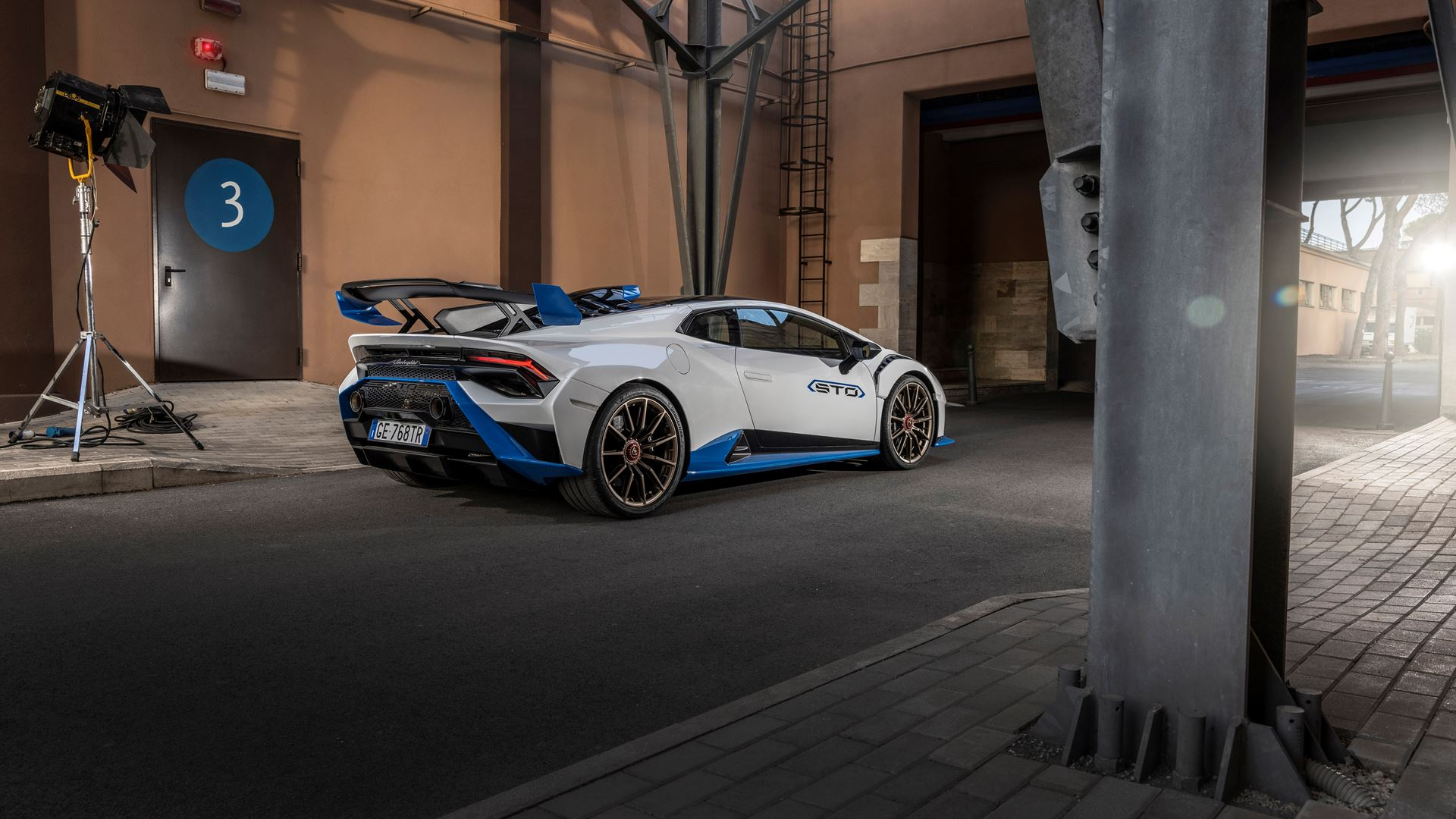 Lamborghini Huracán STO finally unleashed First test-drives in Rome and at the Autodromo Piero Taruffi in Vallelunga - Image 1
