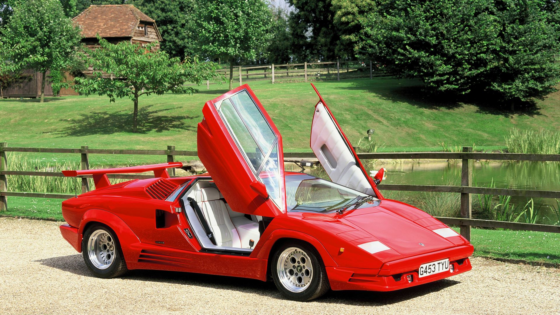 Lamborghini: records from the past that you might not know about. From the lowest Lamborghini to the first Super SUV of all time - Image 7