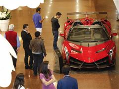 Grande successo del Torneo Lamborghini – Xbox presso lo Store Automobili Lamborghini in Galleria Cavour - Una sfida appassionante con Motorsport Forza 5
