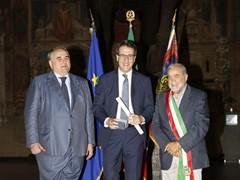 Umberto Tossini, Direttore Risorse Umane e Organizzazione di Automobili Lamborghini, insignito dell'onorificenza di Commendatore dell' Ordine al Merito della Repubblica Italiana