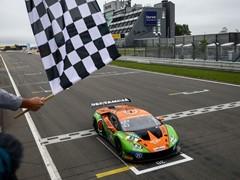 """Lamborghini regina del """"Ring"""": doppia vittoria nell'ADAC GT Masters"""
