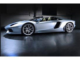 New Lamborghini Aventador LP 700-4 Roadster 3