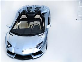 New Lamborghini Aventador LP 700-4 Roadster 5