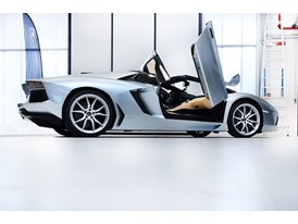 New Lamborghini Aventador LP 700-4 Roadster  18