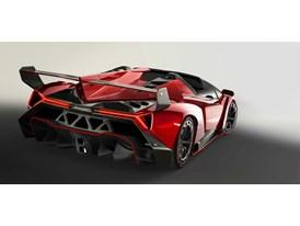 Veneno Roadster 2