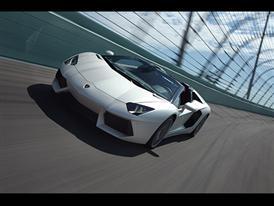 Lamborghini Aventador Roadster LP 700