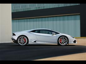 New Lamborghini Huracán LP 610-4 Outdoors 8