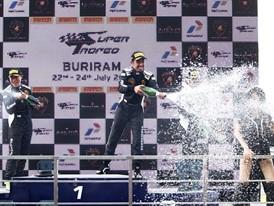 R1 overall podium