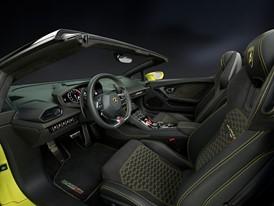 Huracan RWD Spyder Interior